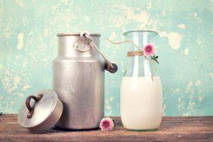 Milchglas Milchkanne ist Milch gesund